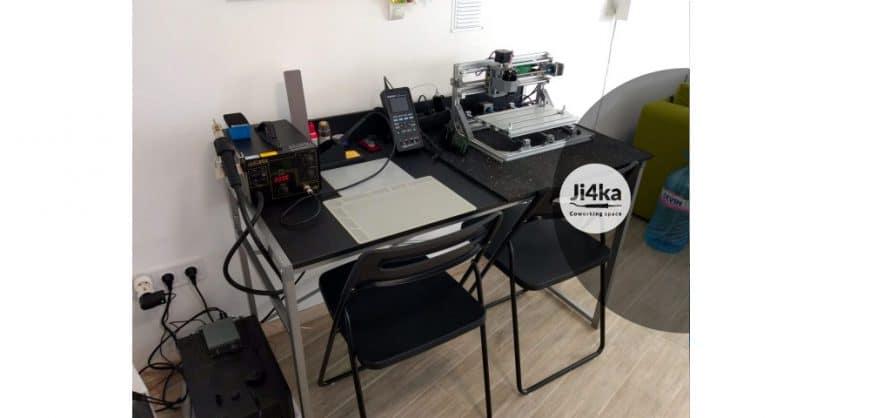 Ji4ka makerspace desk 2